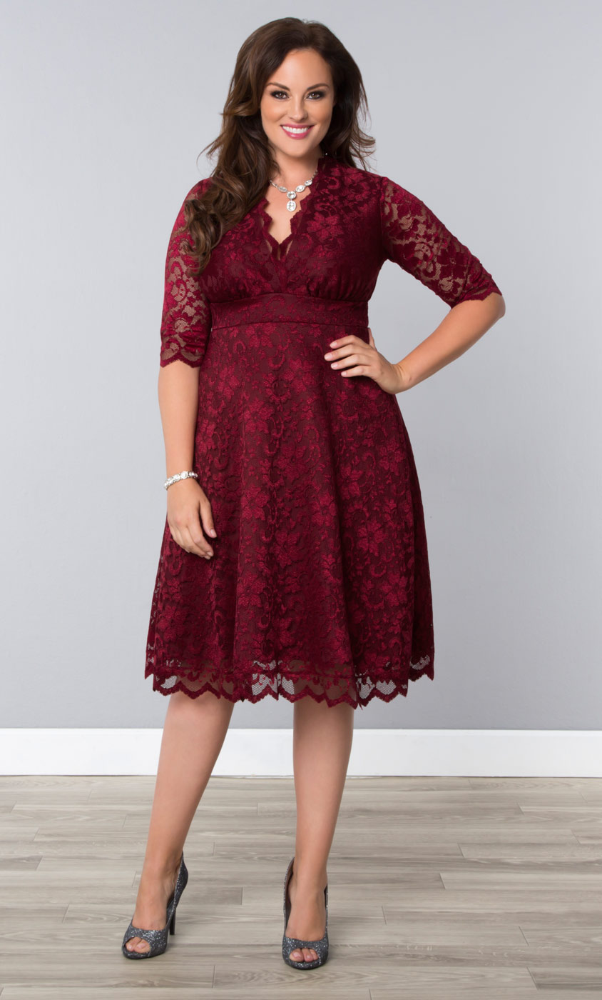 Plus-Size-Cocktail-Dresses-in-red-lace-1-090215.jpg