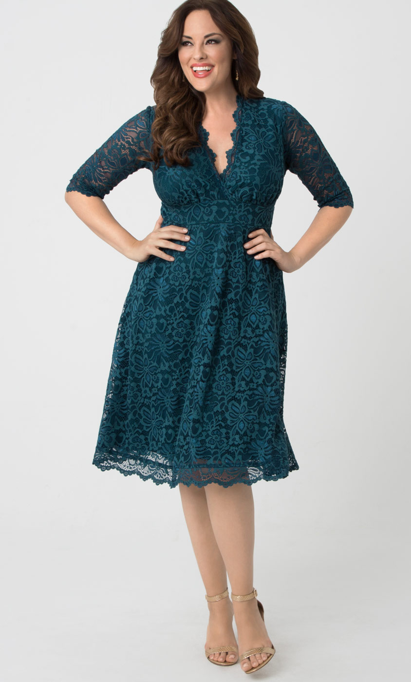 Find women's plus-size clothing that fits and flatters Plus-size women shouldn't have to sacrifice style for fit. Sears has an extensive selection of trendy women's plus-size clothing to choose from so you can look fabulous and feel comfortable.