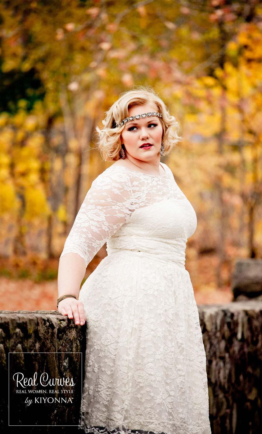 d8d6816d622 ... Real Curves for Aurora Lace Wedding Dress ...