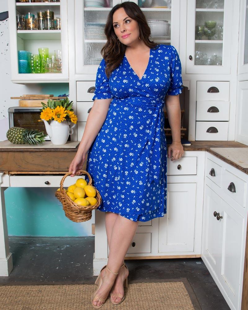 Plus Size Vintage Dresses, Plus Size Retro Dresses Kiyonna Womens Plus Size Tuscan Tie Wrap Dress $108.00 AT vintagedancer.com